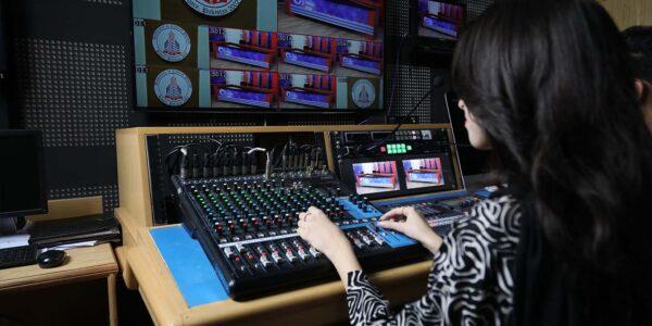 Media hub (15)