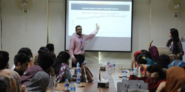 Young Economist Forum_pic (2)